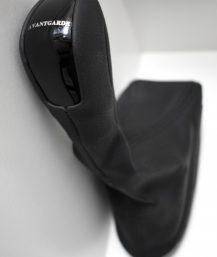 """Mercedes-Benz W211 E klasės juodas pavarų svirties antgalis su uždangalu """"Avantgarde""""."""